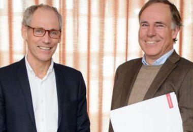 På bild Jonas Hellström, vd Projektbyrån och Pär Hammarberg, vd COWI Sverige. Foto: Jonas Hellsén