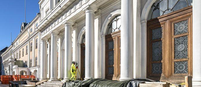 Renoveringen av de fyra byggnaderna i kvarteret Högvakten i Göteborg är ett gigantiskt projekt. Samtliga byggnader utom Strömska är byggnadsminnen, men alla byggnader är skyddade enligt PBL kap 8§17. Foto: Hans Wretling