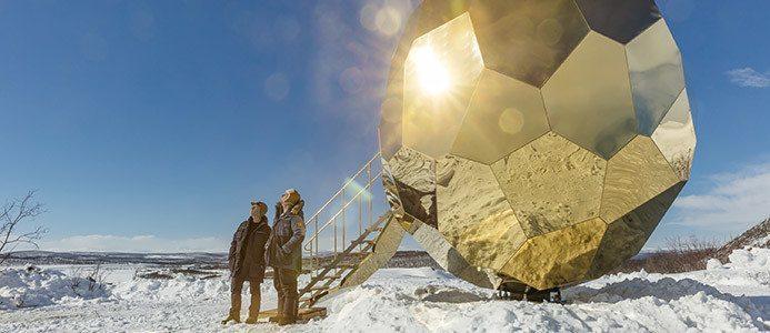 Solar Egg av konstnärsduon Bigert & Bergström. Foto: Jean-Baptiste Bélange