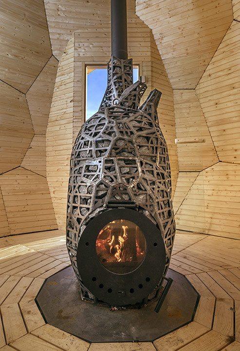 Solar Egg vedkamin. Foto: Jean-Baptiste Bélange.