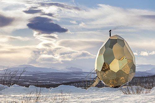 Solar Egg finns under perioden 12 augusti till 24 september i Björkliden. Foto: Jean-Baptiste Bélange.
