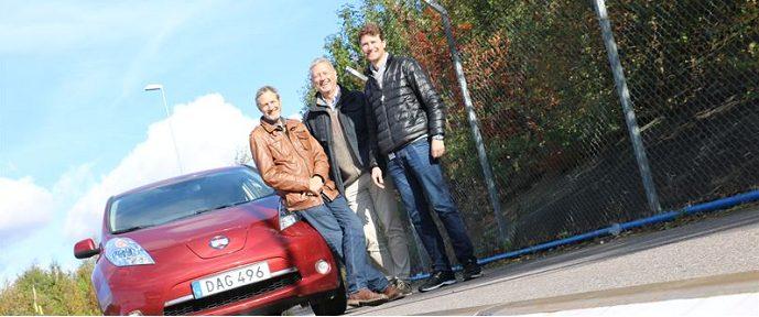 Dan Zethraeus, Mats Alaküla och Andreas Sörensen vid elvägen utanför Lund. Fotograf: Kristina Lindgärde