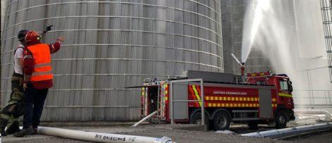 Brandsläckningsövning i Gävle hamn
