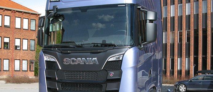 Scania stoppar leverans av 2000 lastbilar
