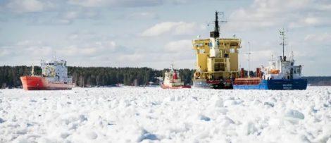 Isen ställer till stora problem för sjöfarten i Luleå hamn. Nu startar ett isreduceringsprojekt inom ramen för farledsprojekt Malmporten. Foto: Luleå hamn