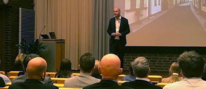 På bild syns Johan Mörnstam, vd för Eon Energidistribution. Foto Maria Carlsson