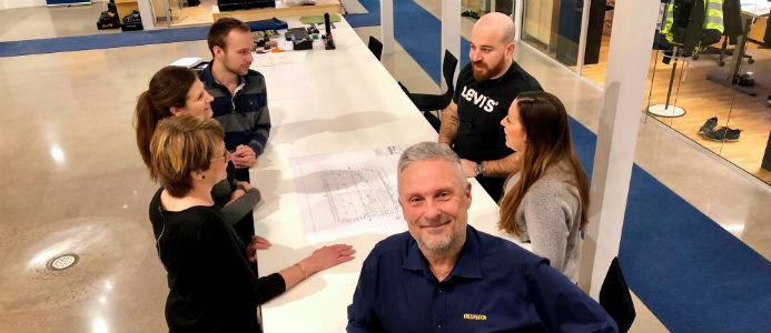 Pether Skoglund med kollegor. Foto: Linotol