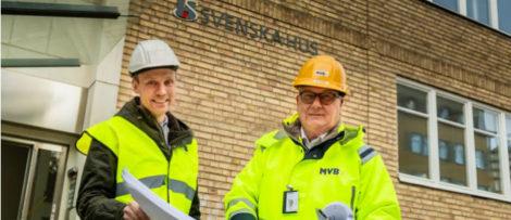 Philip Wallgren, Regionchef för Svenska Hus, och Per Ununger, vd MVB Öst. Foto: Svenska Hus