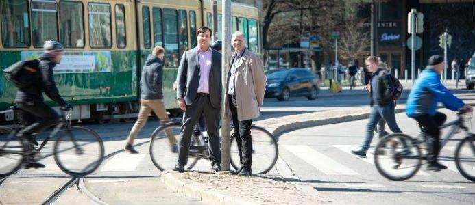 Jukka-Pekka Pitkänen, Global Division Director, Smart mobility på Ramboll och Markku Kivari, vd på Strafica. Fotograf: Ramboll