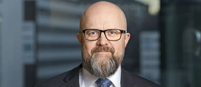 Tobias Bjurling, ny ekonomi- och finanschef i Sveviakoncernen, kommer närmast från rollen som chefscontroller i Bonavakoncernen. Foto: Svevia