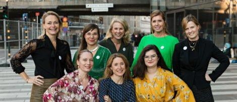 Främre raden: Anna-Carin Windahl, Viktoria Raft, Amira El-Bidawi. Foto: Kraftkvinnorna
