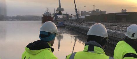 Fotograf: Håkan Nicander Bildtext: I Köpings hamn pågår flera parallella arbeten som alla är delar av utvecklingsarbetet i Köpings hamn.