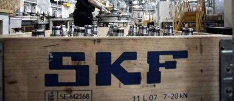 SKF tvingas dra ned på personalstyrkan och stänga fabriker efter coronautbrottet. Bild: SKF