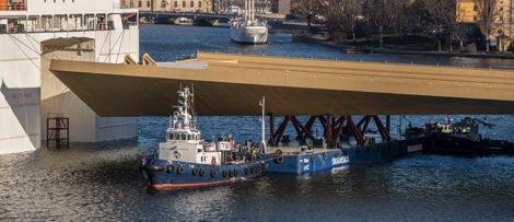 """För tillfället är """"guldbron"""" endast grundmålad. Den kommer vid senare skede att målas i en mer gyllene nyans: Foto: Lennart Johansson Stockholm Stad."""