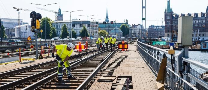 Nu rullar tågen igen och järnvägen har fått en ny livslängd på 80 år. Foto: Mikael Ullén.