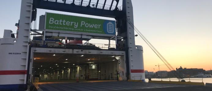Batteri på kajen är nästa steg i Stenas elektirfiering av sjöfarten. Fotograf: Stena Line