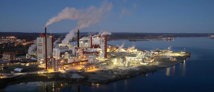 SCA får miljötillstånd att bygga ett bioraffinaderi i anslutning till Östrands massafabrik.
