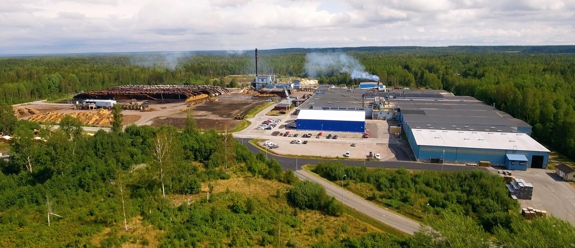 Moelven Vänerply AB stänger produktionen tillfälligt på grund av konstaterad smitta av Covid-19.