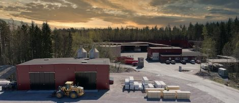 Solenergianläggningen kommer att bestå av 1500 solcellspaneler. Bild: Woodsafe